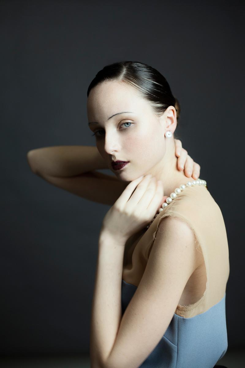 editorial_de_belleza_inspirada_en_los_anos_20s_y_su_estetica_7888291_800x1200