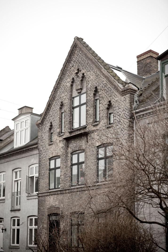 Copenhagen-Townhouse-II-by-Norm-Architects-photo-Jonas-Bjerre-Poulsen-yatzer-2