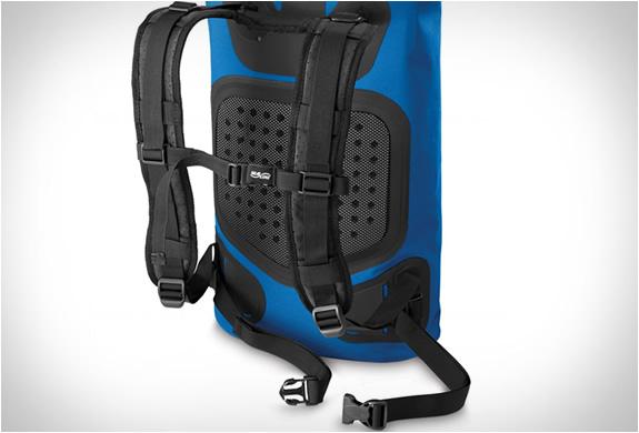 sealline-urban-backpack-3