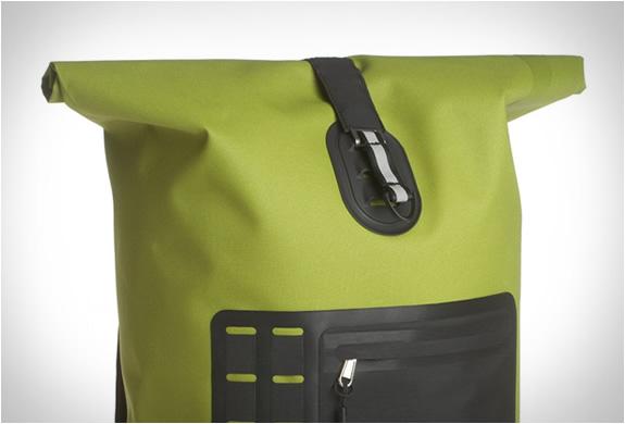 sealline-urban-backpack-4