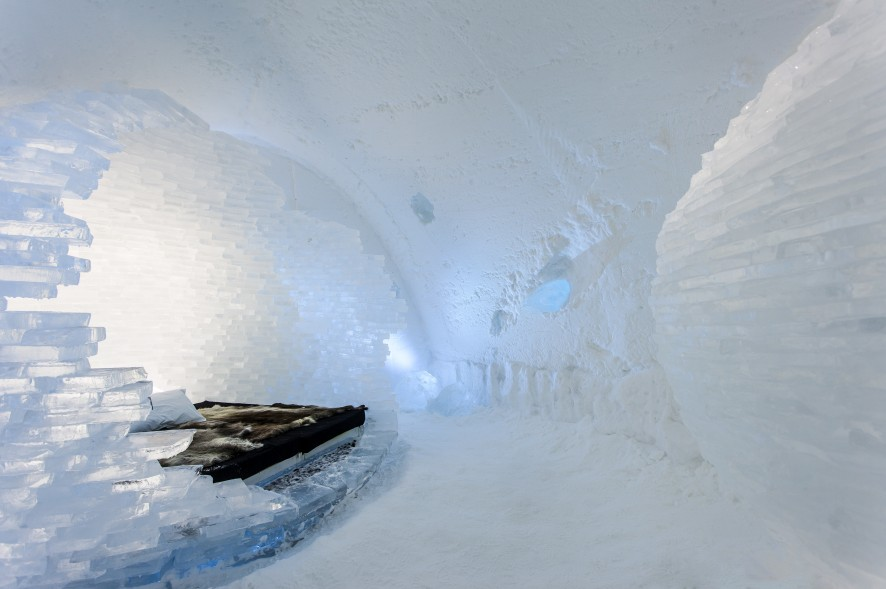 Icehotel01