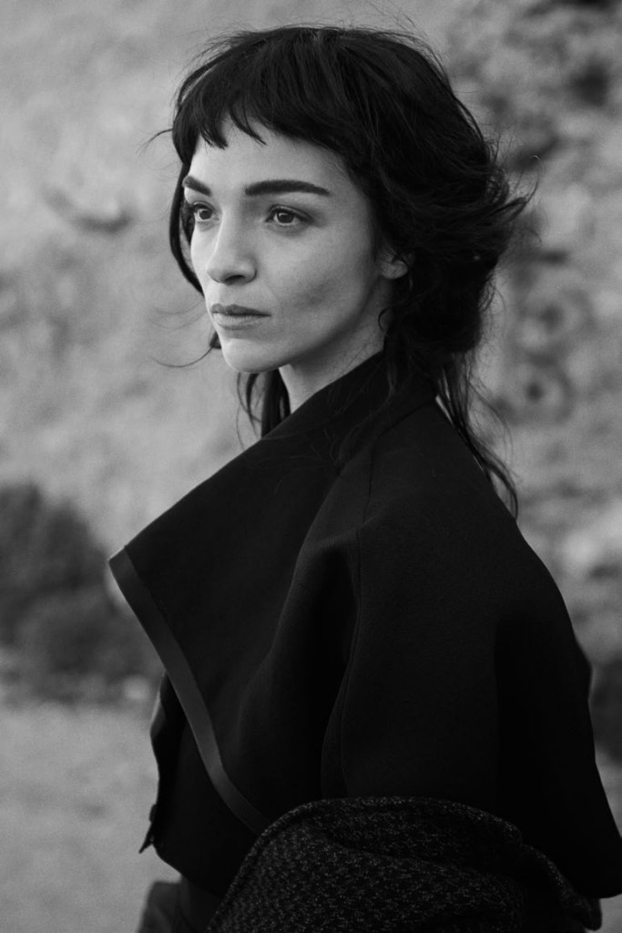mariacarla-boscono-by-peter-lindbergh-for-vogue-italia-february-2014-15