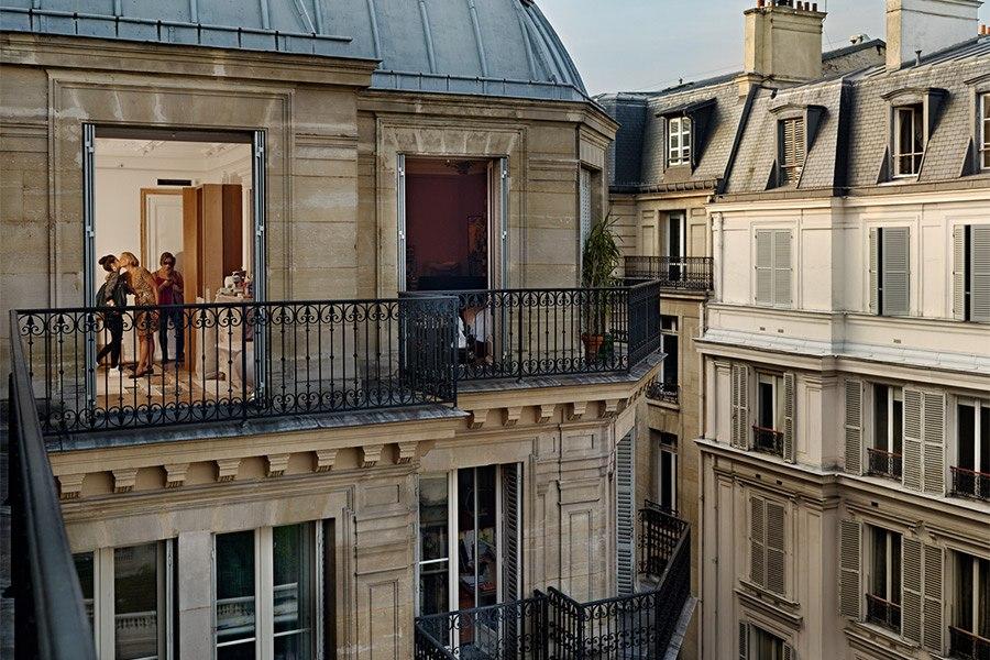 AD-Paris-GailAlbertHalaban00