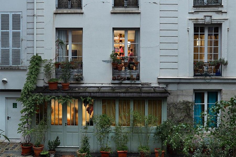 AD-Paris-GailAlbertHalaban01