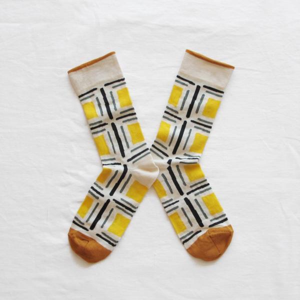 socks-yellow-square