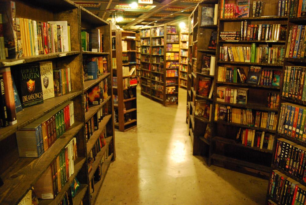 The Last Bookstore LA 06