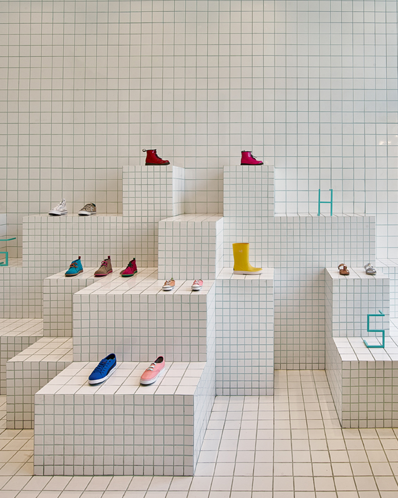 little-shoes-shop-nabito-architects-barcelona-designboom-03
