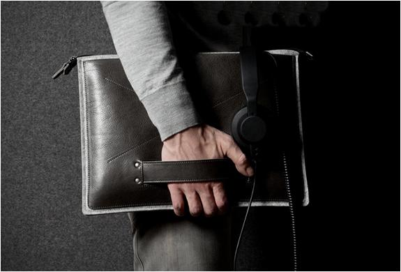 grab-laptop-folio-by-hard-graft