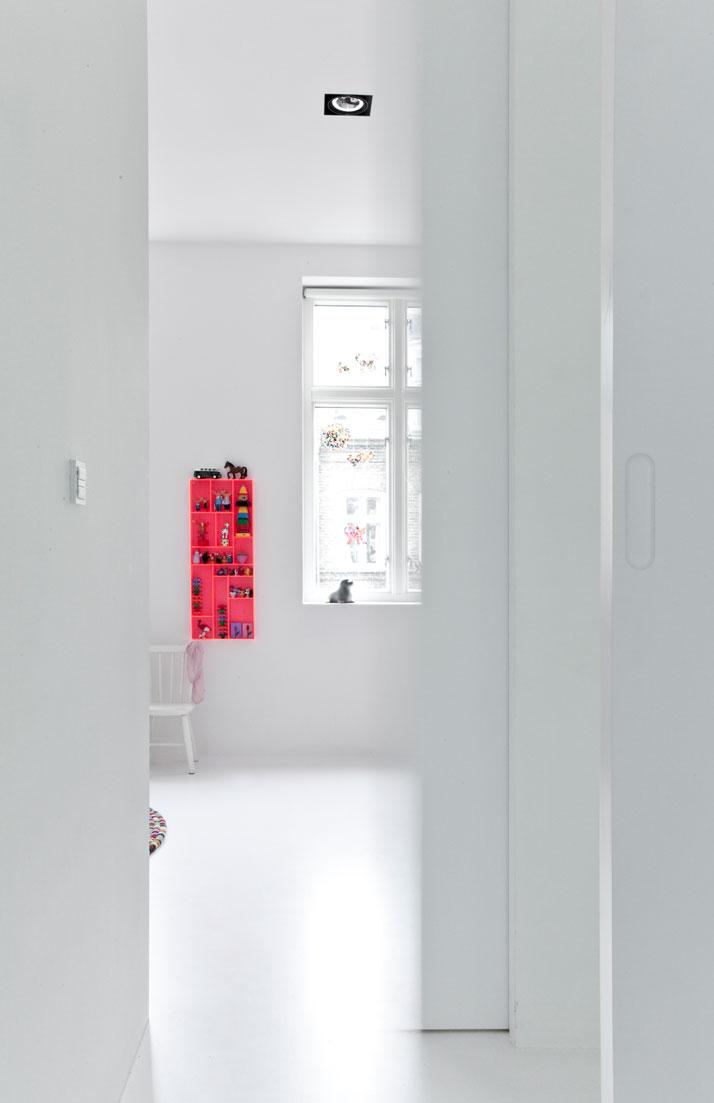 Copenhagen-Townhouse-II-by-Norm-Architects-photo-Jonas-Bjerre-Poulsen-yatzer-17