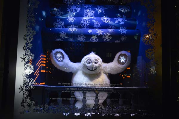 xmas windows - saks00