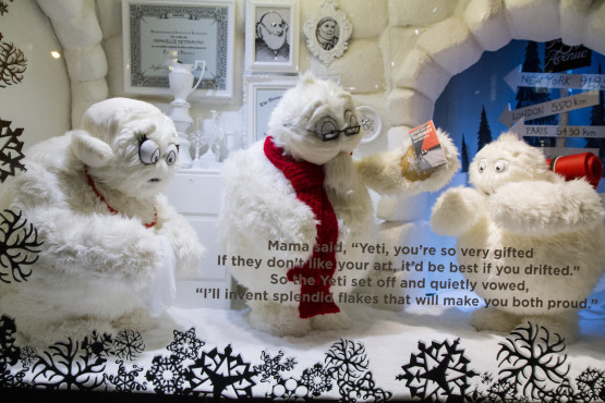 xmas windows-saks01