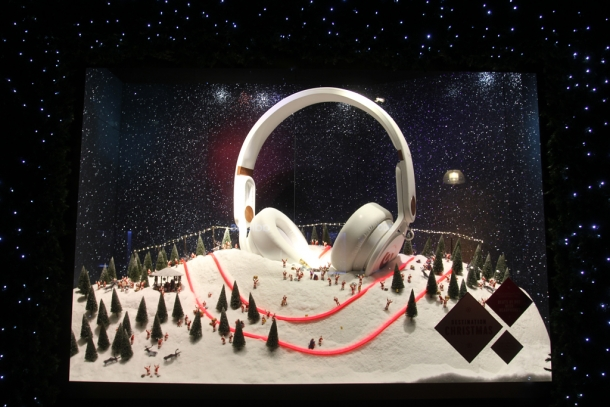 xmas windows- selfridges 05