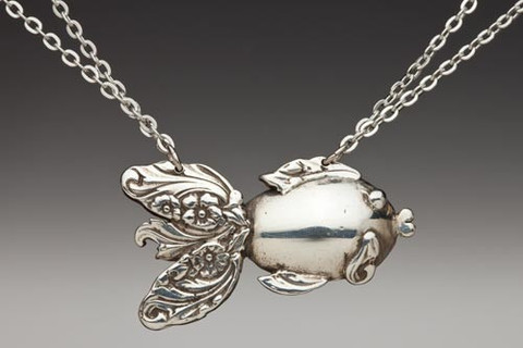 goldfish-necklace_3_large