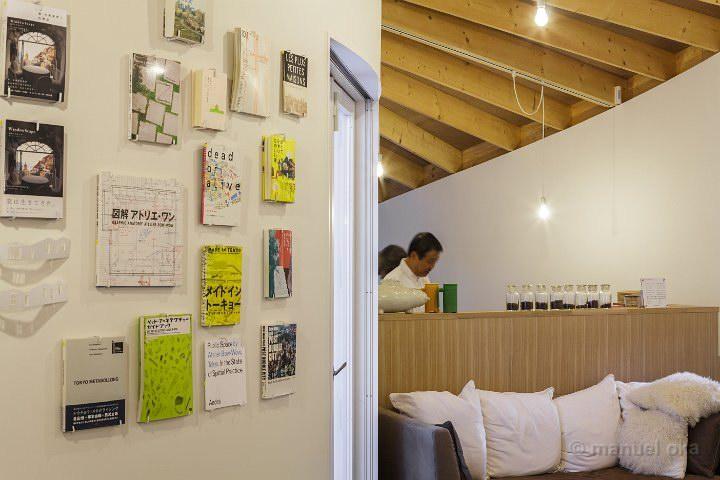Izu-Book-Cafe-14