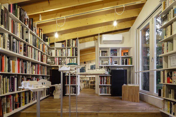 Izu-Book-Cafe-17