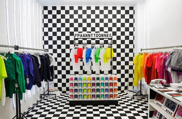 Pantone-Shop00