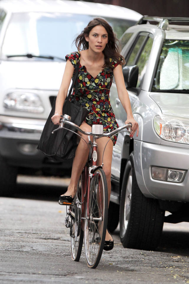 Riding in Style 04 Alexa Chung