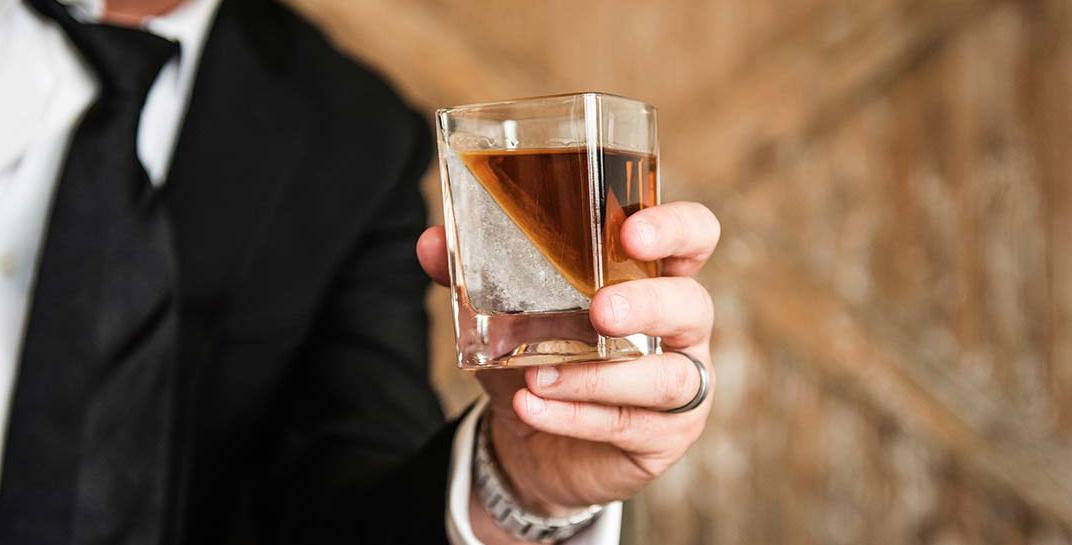 Whiskey Wedge06