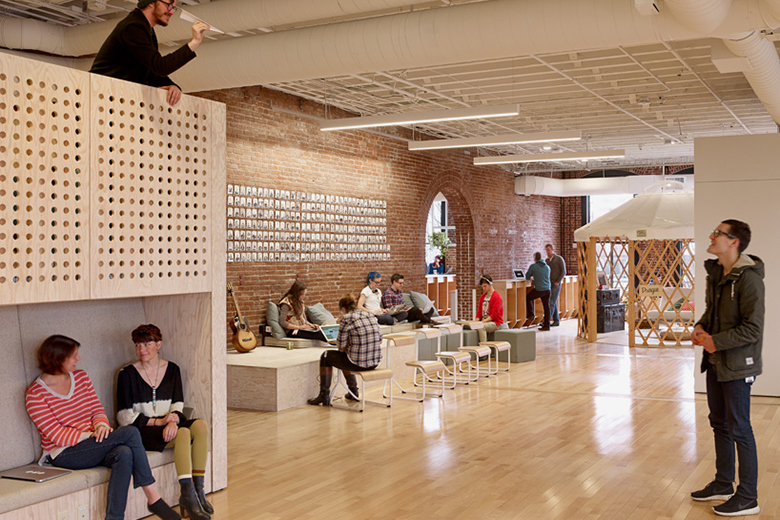 airbnb-portland-office-customer-experience-space-05