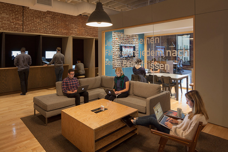 airbnb-portland-office-customer-experience-space-06