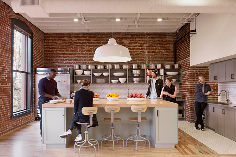 airbnb-portland-office-customer-experience-space-07