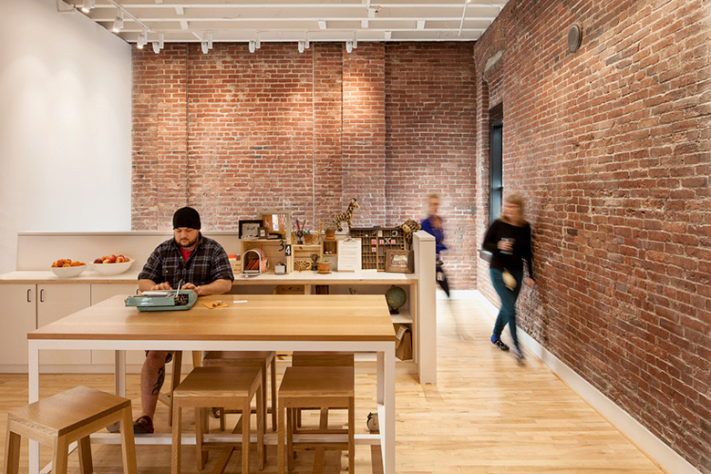 airbnb-portland-office-customer-experience-space-09
