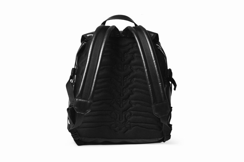 alexander-mcqueen-2015-pre-spring-summer-leather-tech-backpack-2