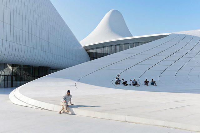 iwan-baan-heydar-aliyev-cultural-center-8
