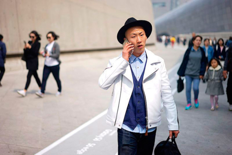 fucking-young-presents-a-selection-of-street-looks-from-seoul-fashion-week-11