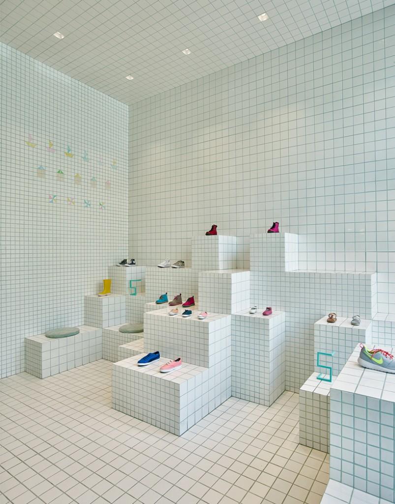 little-shoes-shop-nabito-architects-barcelona-designboom-04