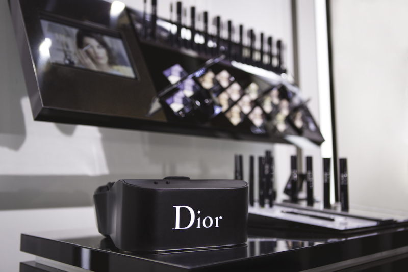 dior-eyes-virtual-reality-to-give-viewers-backstage-access-0